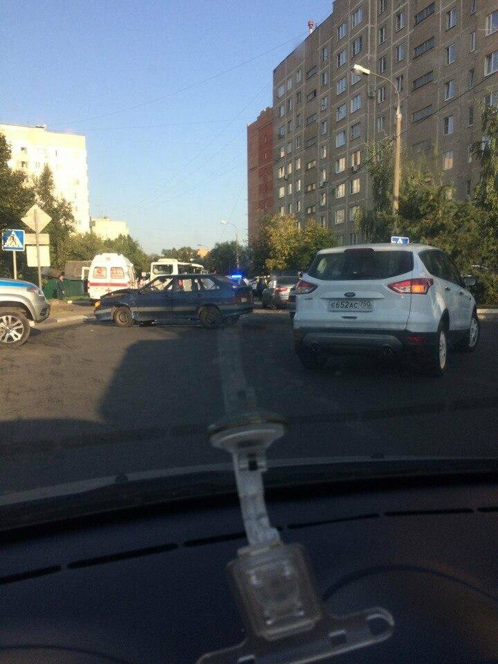Несколько человек пострадали в ДТП с участием маршрутки в Домодедово, фото-2