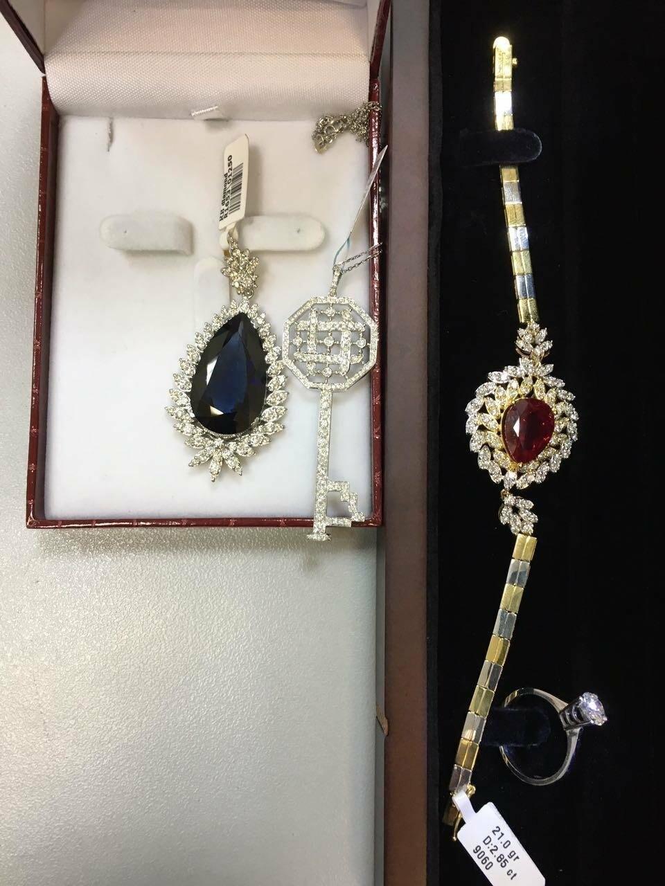 Домодедовские таможенники изъяли украшения с бриллиантами на сумму более 2,5 млн рублей, фото-1